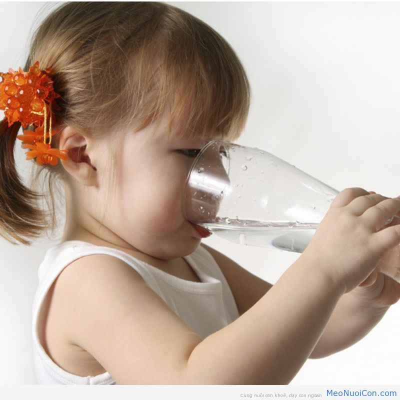 baby-drink-water-1024x811_-_Copy
