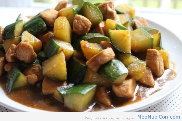 20873-chicken-breast-with-cucumber-stir-fry-8-of-9